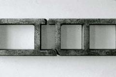 """Aufbruch"", Beton, Maße ca. 40 × 170 × 18 cm³, 1998"