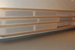 Sidebord mit papierbespannten Schiebern, Ahorn, Maße ca. 78 × 500 × 35 cm³, 2000