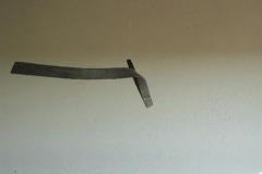 """""""Zeichen"""" Abb. 4, Holz in der Flamme gebogen, Maße ca. 180 × 20 × 5 cm³, 2006"""