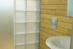 Wände und Sanitärinstallationen Bruckdorfer