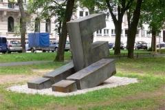 """""""FÜ"""", Stahl, Maße ca. 300 × 300 × 200 cm³, Anlässlich der 1000 Jahr Feier Fürth, 2007"""