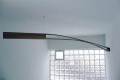 O.T., Ulme, Maße ca. 12 × 180 × 12 cm³, 2003