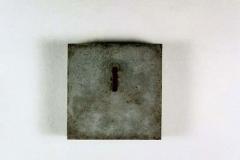 O.T., Beton, Maße ca. 40 × 40 × 11 cm³, 1996